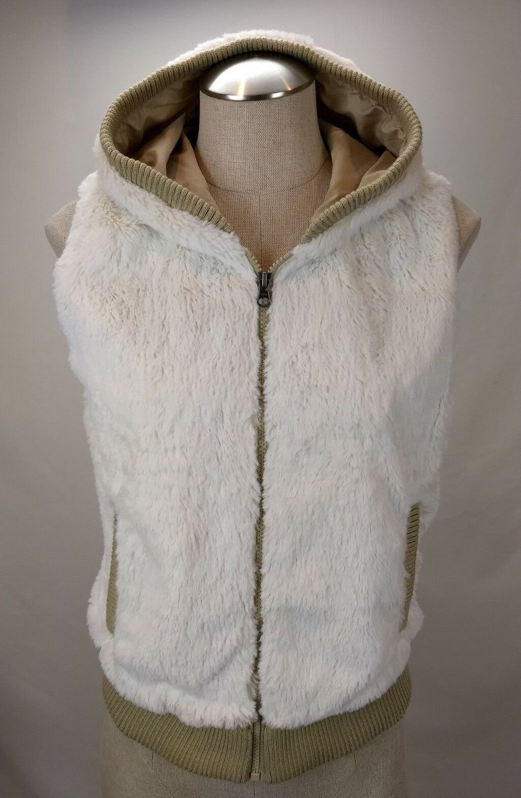 Patagonia Conejo Hooded Fleece Vest Womens Size Small S Ivory Full Zip Faux Fur