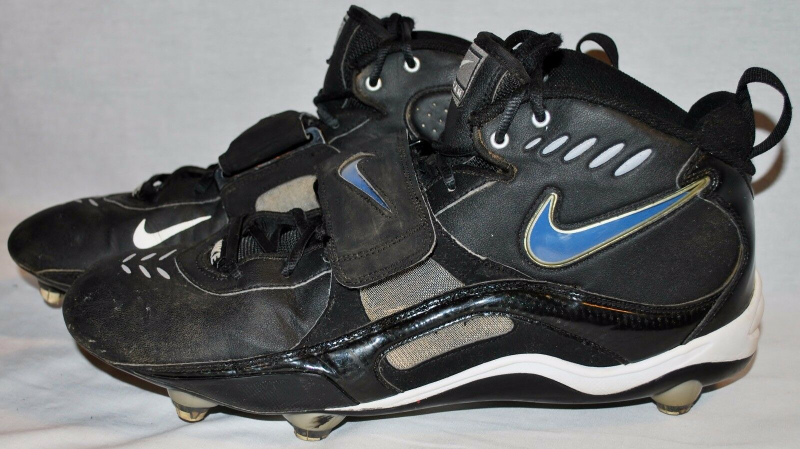 NIKE Team Ball Cleats Black/White ~ SIZE 13 ~ Circa 2006-2007  The latest discount shoes for men and women