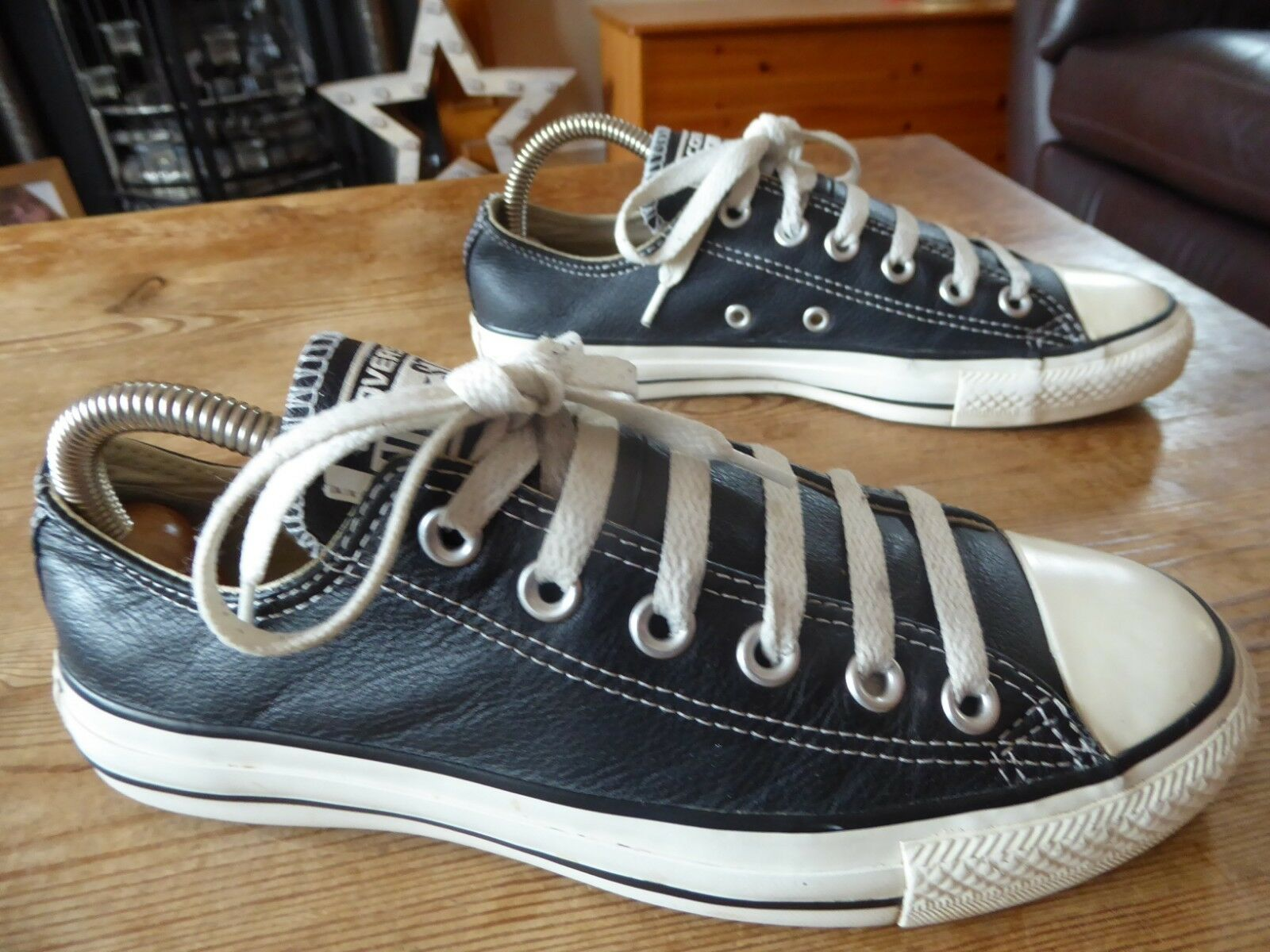 Womens leather CONVERSE low rise - size uk 5 good condition