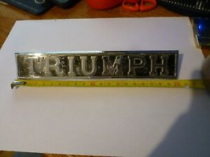 Sigle-insigne-logo-chrome-monogramme-TRIUMPH-TR-Dolomite-Acclaim-2000-2500-2-5