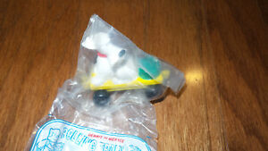 MIP-Dairy-Queen-1994-DQ-Dennis-the-Menace-dog-yellow-car-RUFF-Toy-CAKE-TOPPER