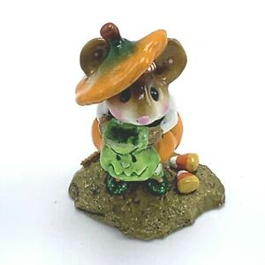 Wee-Forest-Folk-Miniature-Figurine-Tippy-Top-Mouse-M340-Pumpkin-on-Head