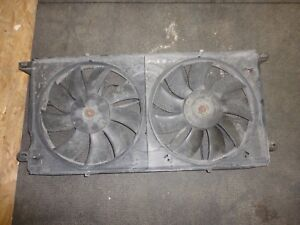 2001-2005 Cadillac Deville radiator cooling fan assembly 01