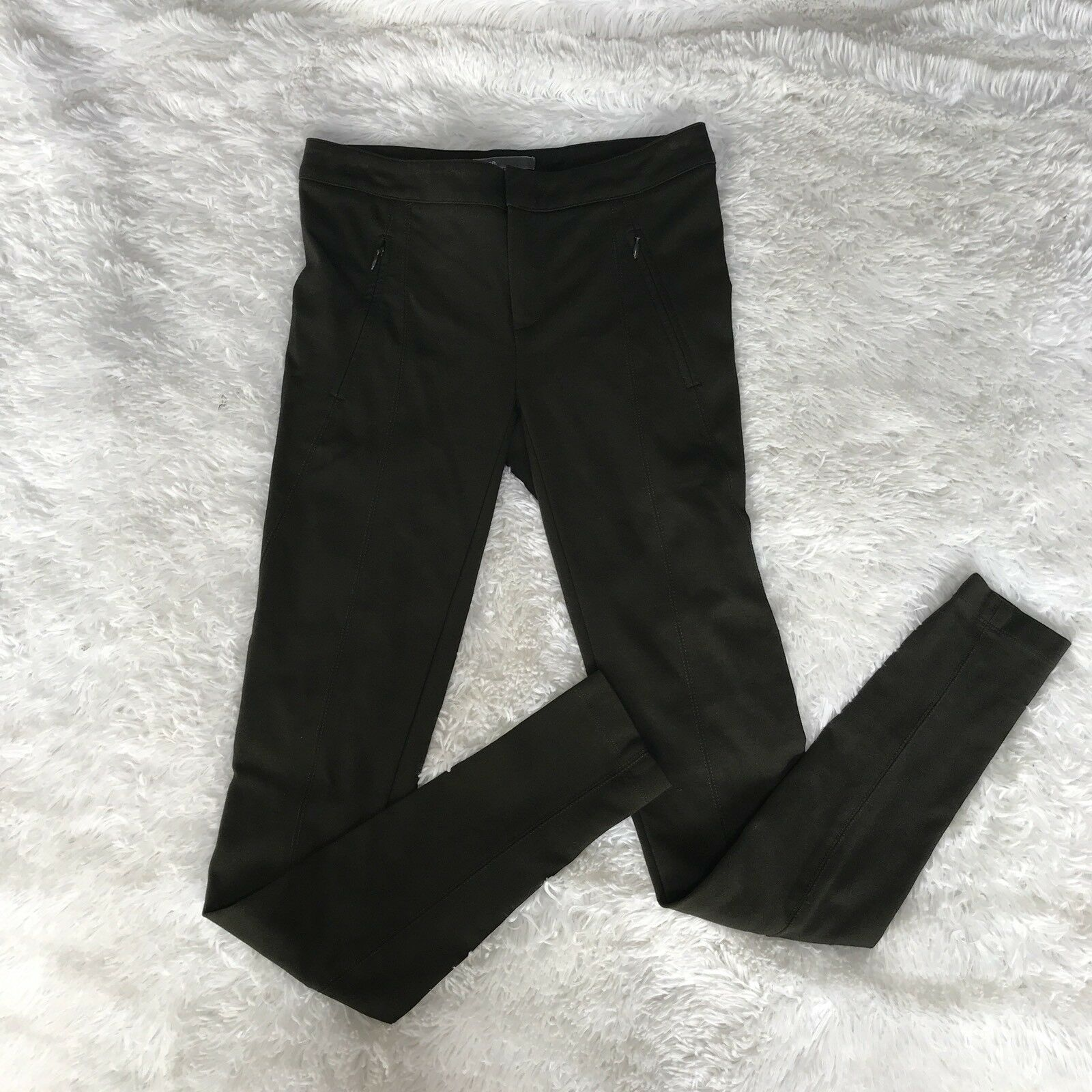 Preowned Vince Woman Skinny Pants Leggins SZ 2 color Khaki