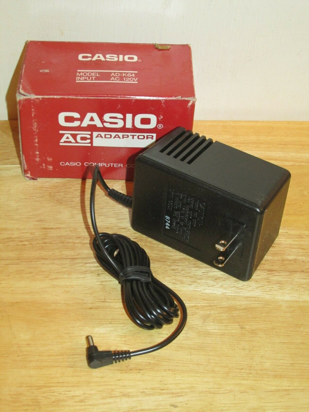 Genuine CASIO AD-K64 Power Supply/AC Adapter Output 6VDC 800mA - NEW in Box!