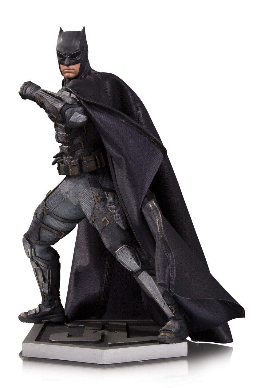 DC COMICS: JUSTICE LEAGUE – BATMAN TACTICAL SUIT (Lim. Ed. 5.000) Statue DIAMOND