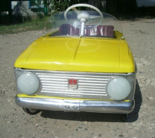 Children/'s pedal car Moskvich PARTS USSR SOVIET DEVICE PANEL AND AUTO NUMBER