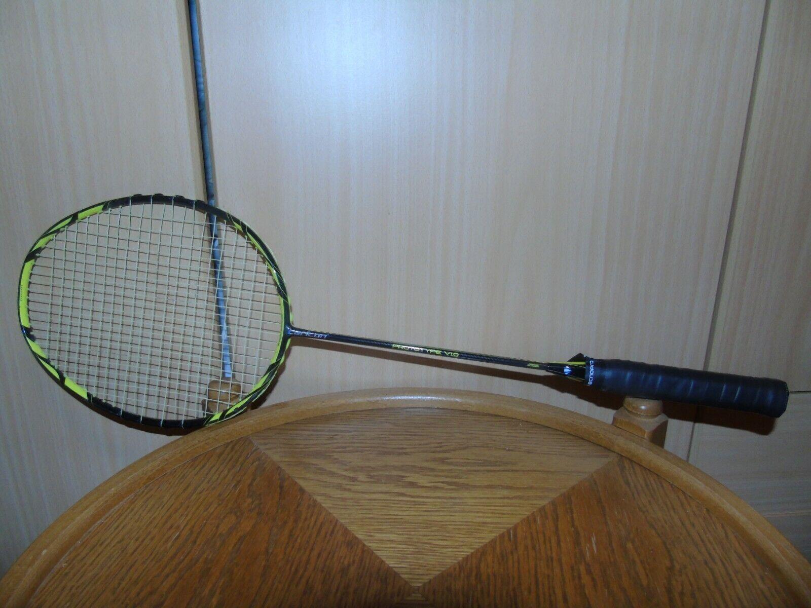 Carlton Razor Prototype V1.0 Badminton Schläger mit Tasche