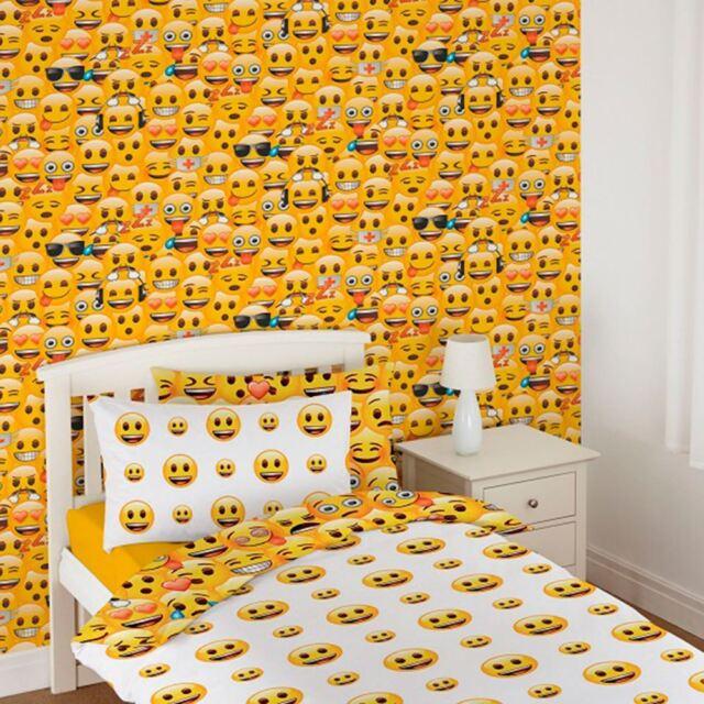 EMOJI WALLPAPER CHILDRENS BEDROOM WALL DECOR FEATURE NEW