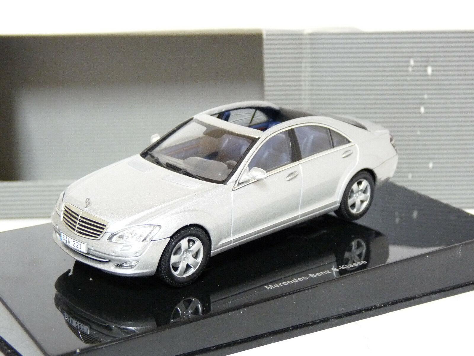 Autoart Unique 1 43 Mercedes-Benz S500 W221 ConGrünible Handmade Diecast Model