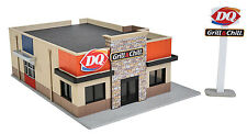 3846 Walthers Cornerstone Modern Dairy Queen Grill & Chill N Scale