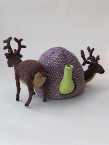 Ciervo escocés en el Heather Cubre Tetera Tejer patrón por teacosyfolk