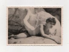 MA B6048 Erotik Akt Foto nackte Frau outdoor auf einem Felsen (10 cm x 7 cm)
