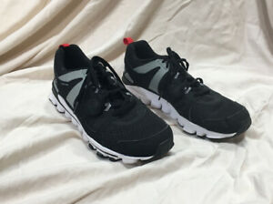 Marcar acortar edificio  Reebok Hexaffect Run 2.0 MT Mens Running Shoe Sz 10.5 Black White Sneakers    eBay