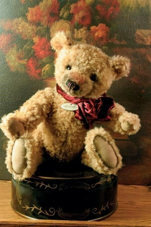 Victorian Trading Co Jointed Teddy Bear Hand-Sewn Collectible 13  Wadsworth