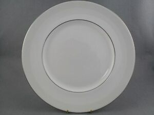 Royal-Doulton-Amulet-dinner-plate