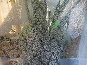 rideau-porte-fenetre-1m-60x0-90-tringles-extensibles-les-roses