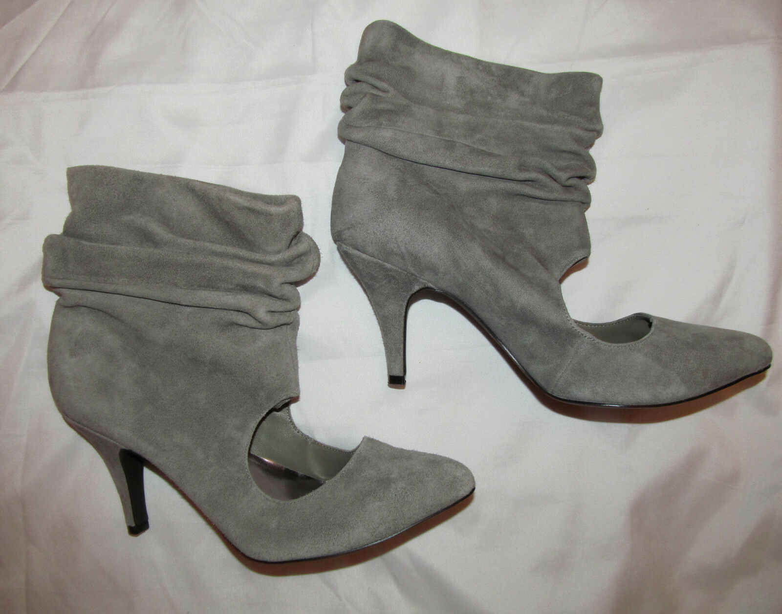 JEFFREY CAMPBELL CAMPBELL CAMPBELL PALACE slouchy gray suede key hole front sassy booties Stiefel 7 bf95bd