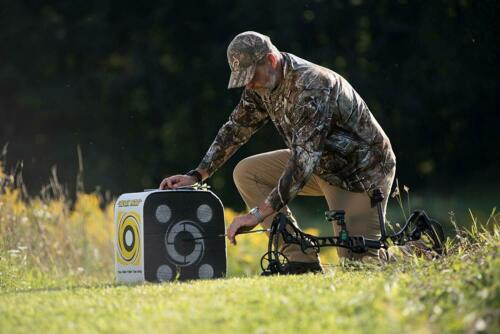 Stops ALL Fieldtips and Broadheads 4 Sided Archery Target Details about  /Black Hole