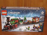 Lego Creator Expert Winter Holiday Train Set 10254 Engine Car Caboose Tracks