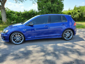 2016 Volkswagen Golf R with Technology Package and Alloy Wheels
