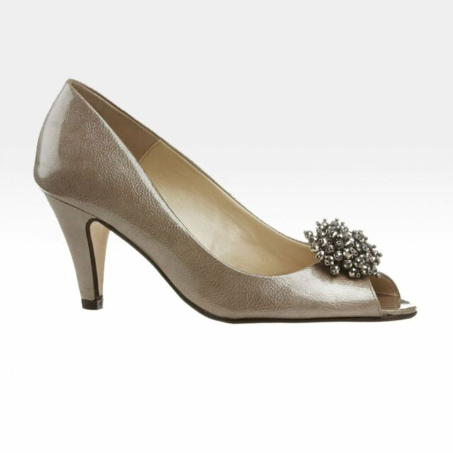 c2e2e4a5393f Van DAL Shoes Holkham Occasion Wear in Champagne Feature UK 6.5 for ...