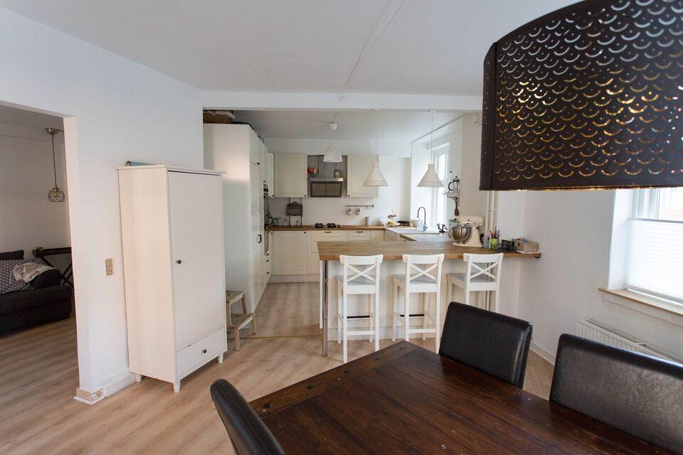 2200 5 vær. andelslejlighed, 110 m2, Brohusgade 1 st.tv