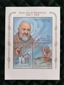 Francobolli-Vaticano-foglietto-San-Pio-Padre-Pio-da-Pietralcina-1999