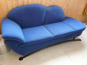 sofa couch 2 sitzer 3 sitzer blau geschwungen vintage ottomane gebraucht ebay. Black Bedroom Furniture Sets. Home Design Ideas
