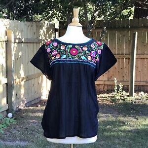 Mexican-blouse-Hand-embroidered-from-Chilac-Puebla-Bohemian-style