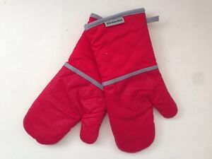 New Kitchenaid Empire Red Set Of 2 Oven Mitts Pot Holders