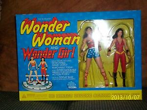 Dc Direct - Coffret Cadeau Wonder Woman And Girl Silver Age