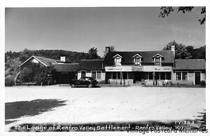 RPPC-RENFRO-VALLEY-KY-1948-The-Lodge-of-Renfro-Valley-Settlement-VINTAGE-GEM