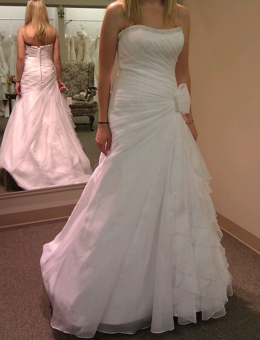 MON CHERI WEDDING GOWN - BRAND NEW WITH TAGS SIZE 6