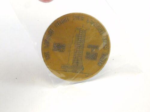 Vintage NASA Kennedy Space Center Florida Apollo Saturn Commemorative Medal