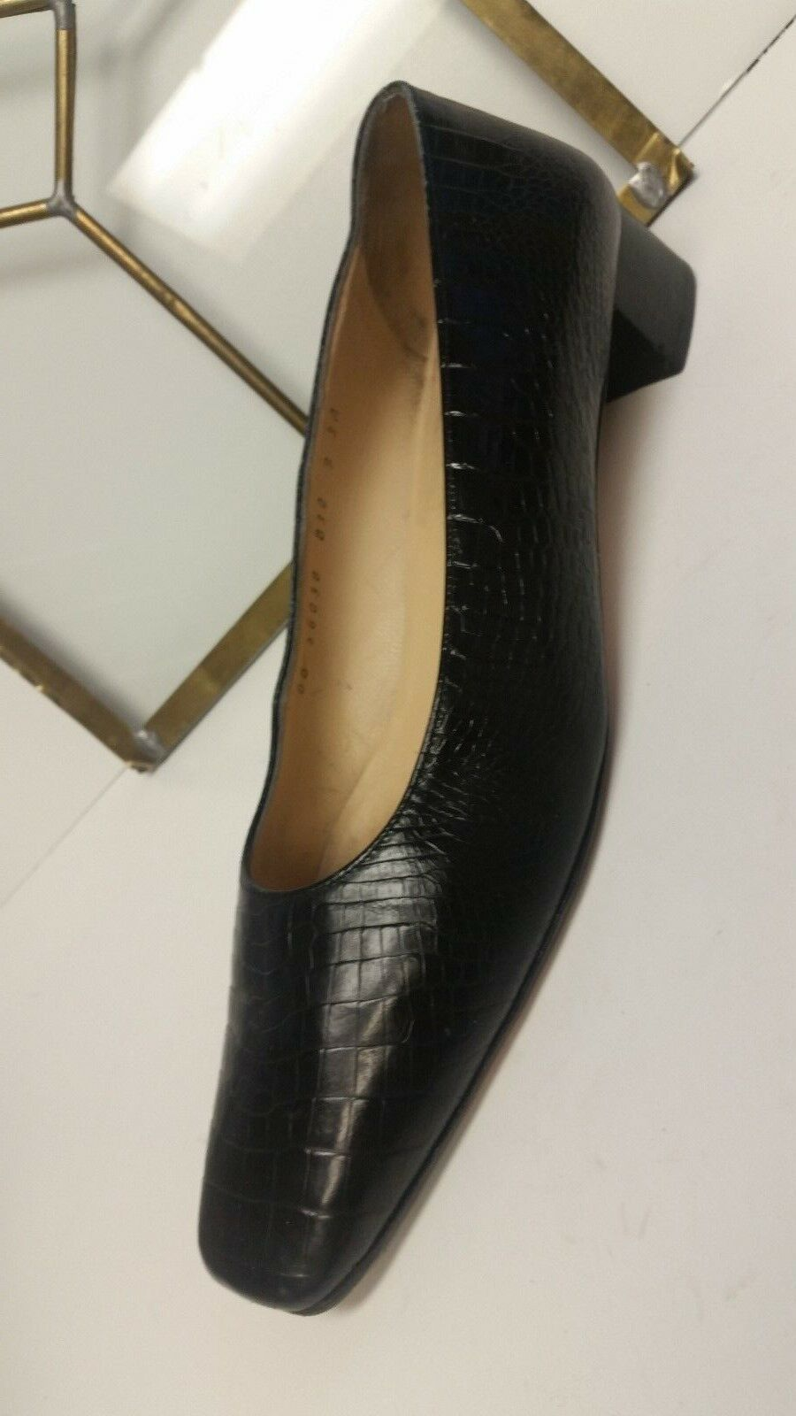 SALVATORE FERRAGAMO Vintage Black Leather Classic Low Heels shoes Size 9 3A NICE