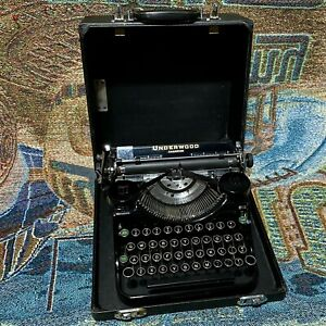 Vintage 1936 Underwood Champion Portable Typewriter with the Case - Works Good