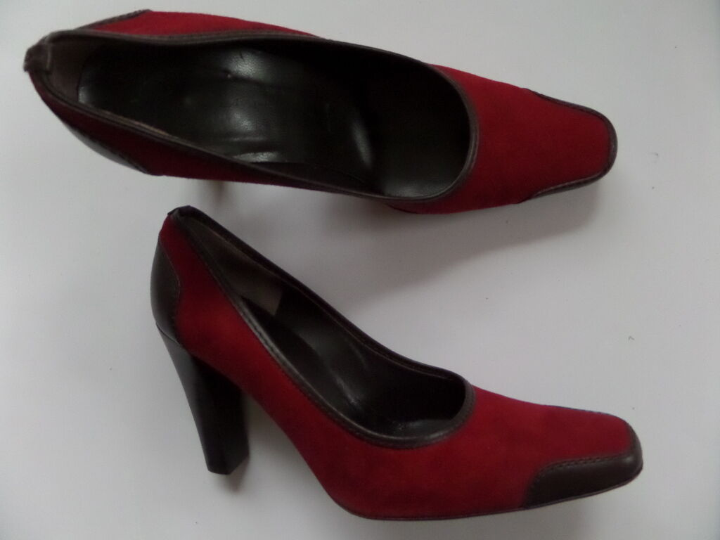 St.John Suede Leather 3.5-in Heels chaussures Taille-8 B rouge  Made in
