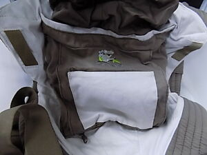 dbcf8132d8a Image is loading Onya-Baby-Cruiser-Baby-Carrier-Chocolate-Chip-Dove