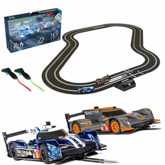 SCALEXTRIC Set C1404  C1404M ARC PRO Digital  Le Mans Ginetta's