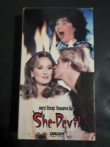 She-Devil-Diablesse-VHS-French-Version-1989-Comedy-Maryl-Streep-Roseanne-Barr