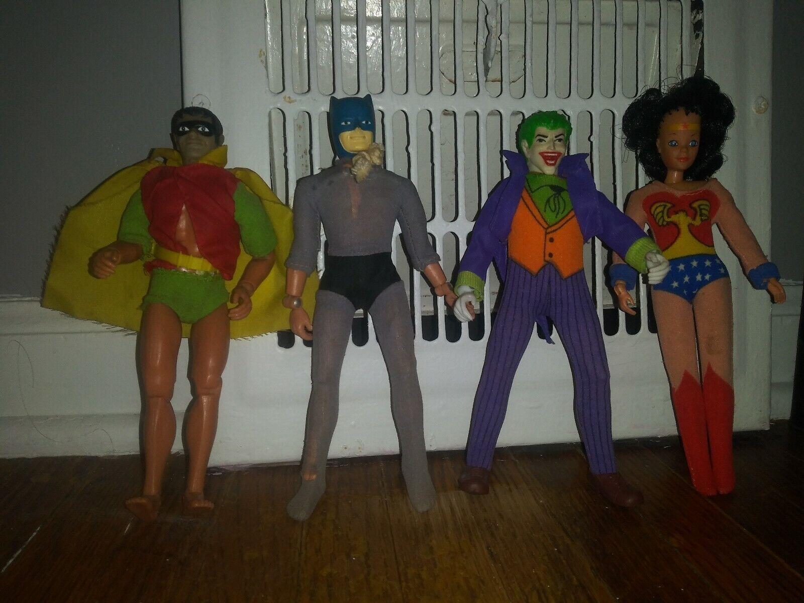 Lot Of 4 Vintage Batuomo Robin  Joker Wonder donna cifras  prezzi eccellenti