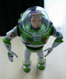 BUZZ-LIGHTYEAR-Talking-amp-Lights-up-Action-Figure-64081-Disney-Fully-Working
