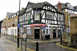 PHOTO-PUB-2010-SHOREDITCH-039-THE-CONQUEROR-039-AT-THE-EXTREME-NORTHERN-END-OF-BOUNDA