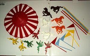 Vintage-1971-Wilton-Carousel-Cake-Topper-Horses-Clowns-Flags-Complete-Set