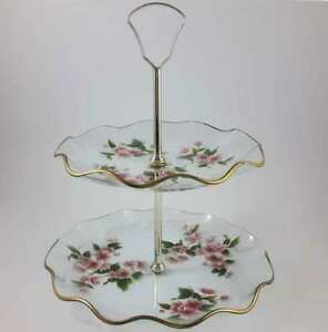 Lovely-Vintage-Glass-2-Tiered-Floral-Cake-Stand-Fluted-Edges