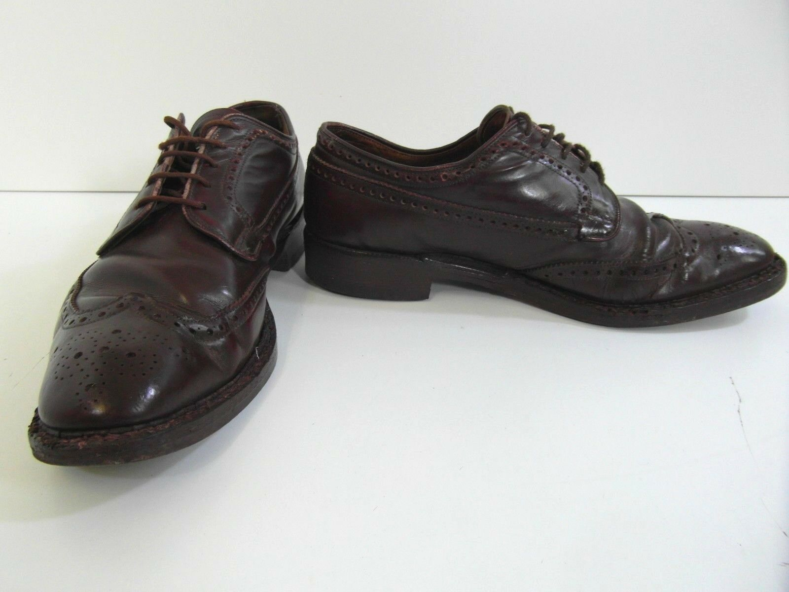 Herren CUSTOM GRADE BROWN LEATHER CHURCHS HANDMADE BROGUE BROGUE BROGUE Schuhe UK9 e770cd