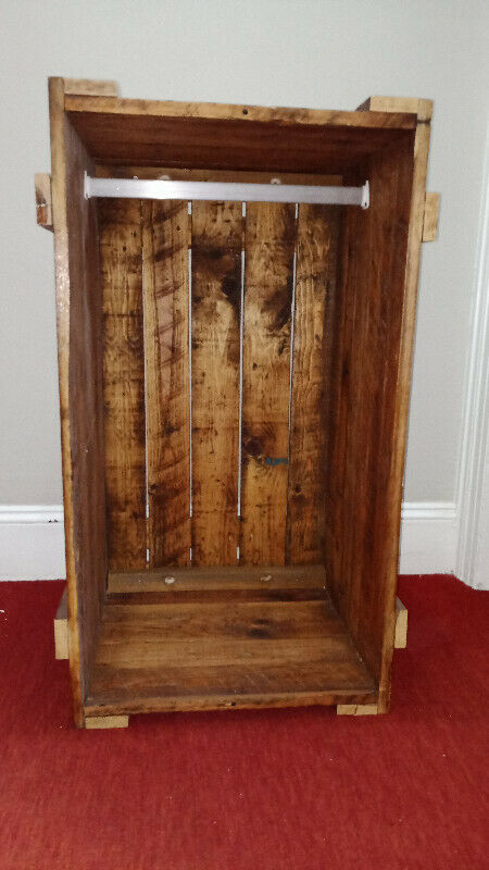 Wall hung clothes hanging crate