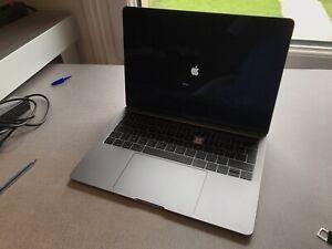 MacBook Pro Touchbar 13 2019 Clavier Cassé
