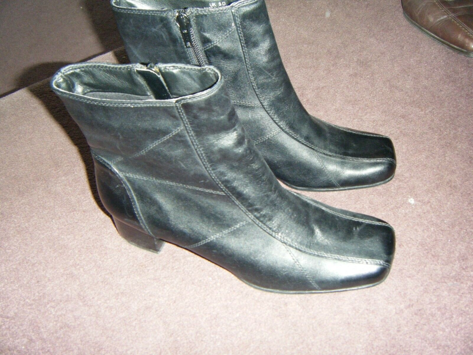 Worn once, stunning clarks black leather boots - 4cm heel - zip up - size 5d
